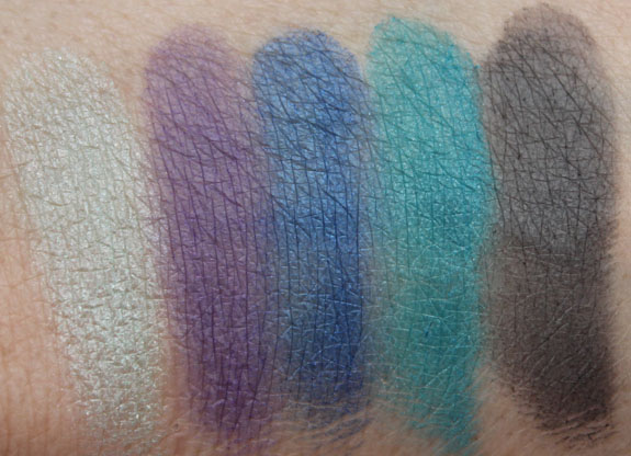 Wet n Wild Fergie Photo Op Eyeshadow Maldives Sky Swatches