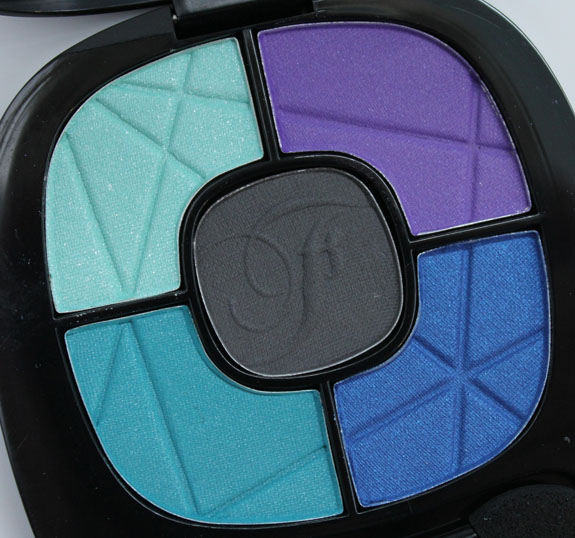 Wet n Wild Fergie Photo Op Eyeshadow Maldives Sky