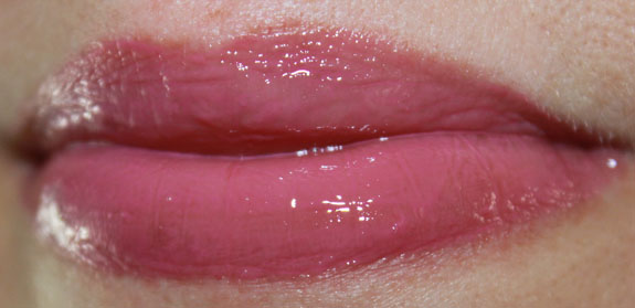 Lise Watier Haute Couleur High Coverage Lip Lacquer in Haute Couture Lip Swatch