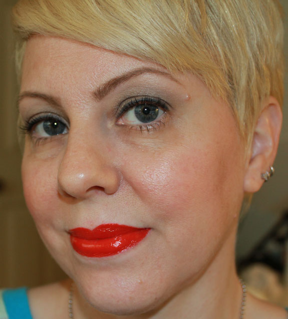 Buxom Full-Bodied Lipstick Rouge