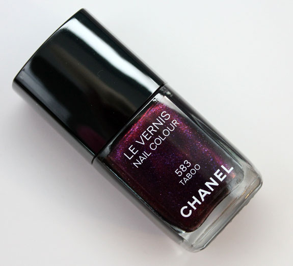 Chanel Le Vernis Taboo