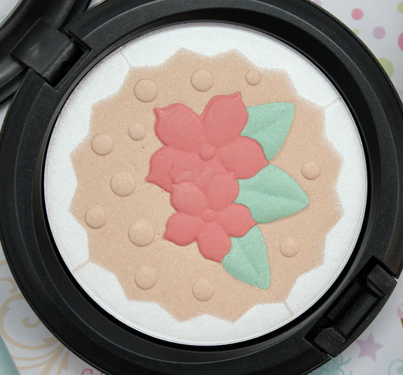 MAC Baking Beauties In For A Treat Pearlmatte Face Powder