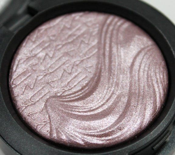 MAC Extra Dimension Eye Shadow in Smoky Mauve