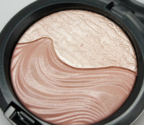 MAC Extra Dimension Skinfinish in Definitely Defined