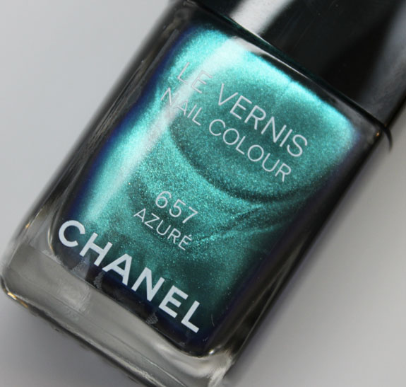Chanel Azure Le Vernis Bottle-2