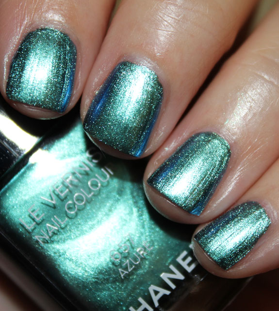 Chanel Azure Le Vernis Swatch