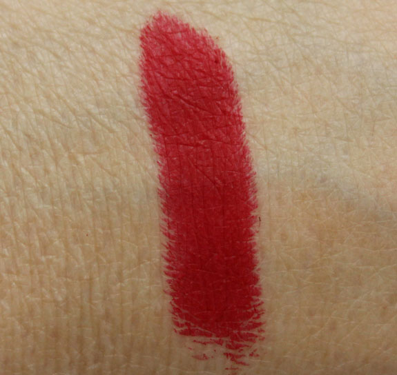 MAC RiRi Woo Hand Swatch