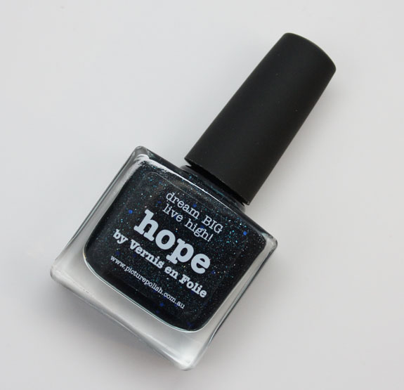 piCture pOlish Hope by Vernis en Folie piCture pOlish Hope by Vernis en Folie Swatches and Review