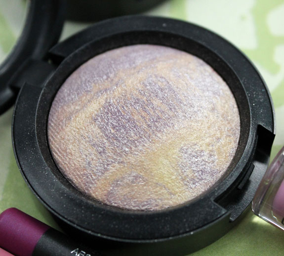 MAC Mineralize Eye Shadow Dare To Bare