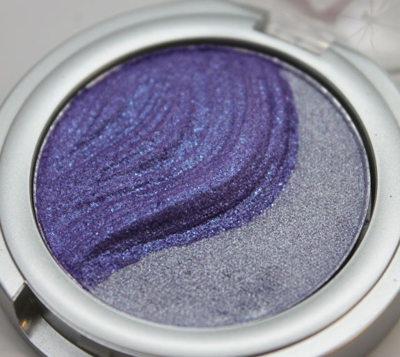 essence 3D Eyeshadow Irresistible Purr-ple