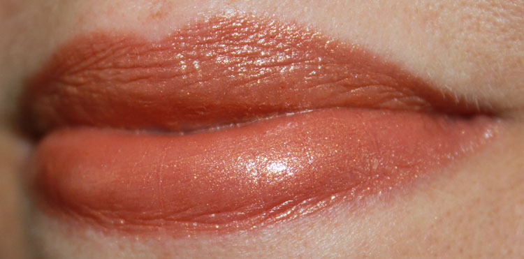 Estee Lauder Pure Color Vivid Shine Lipstick in Gilded Honey