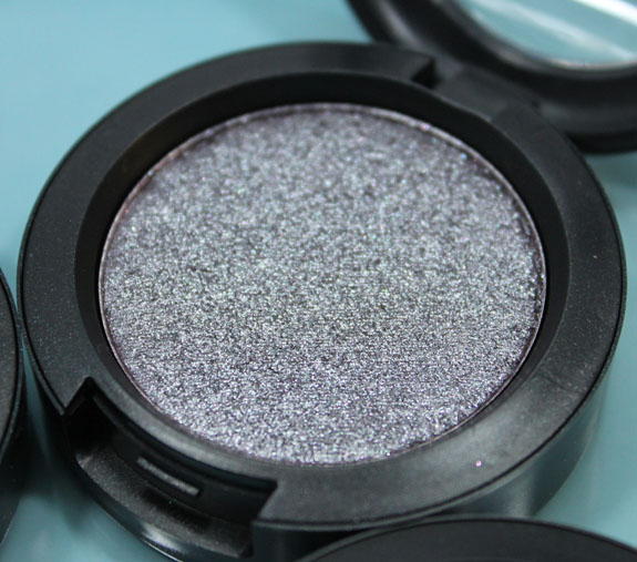 MAC Pressed Pigments Black Grape