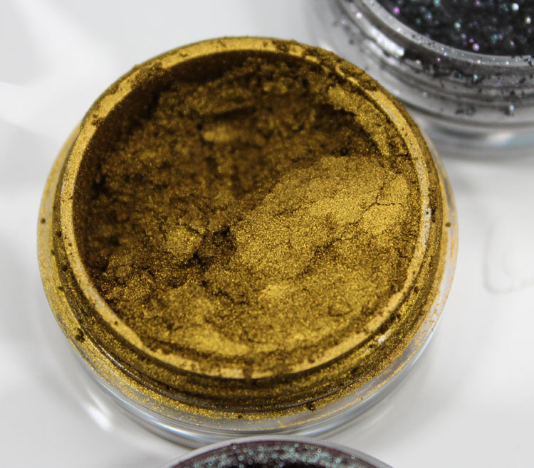 Makeup Geek Pigment Liquid Gold