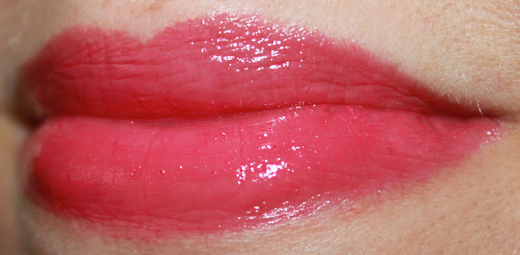 MAC Huggable Lipcolour Feeling Amorous?