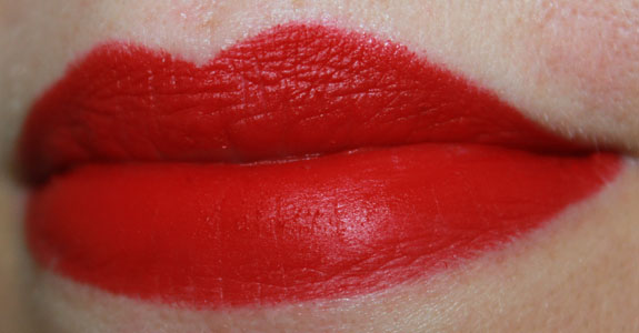 22 Days of Red Lipstick Featuring MAC RiRi Woo | Vampy Varnish