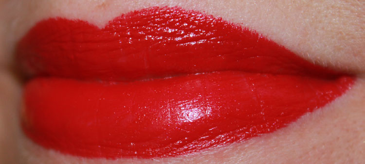 NYX Chic Red