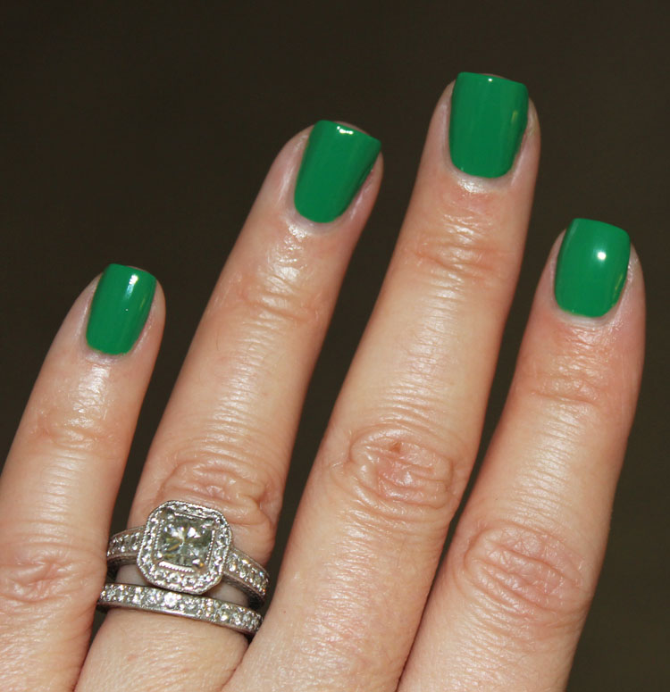 OPI Sandy Hook Green Nail Lacquer | Vampy Varnish