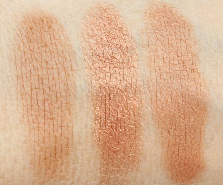 RiRi Hearts MAC Bronzing Powder Love, Rihanna Swatch