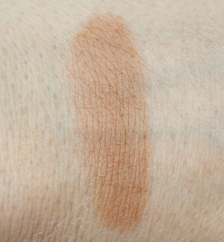 Stila Sweet Treat Bronzing Powder Swatch