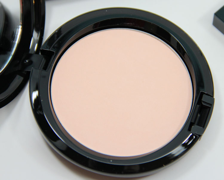 MAC Maleficent Beauty Powder Natural