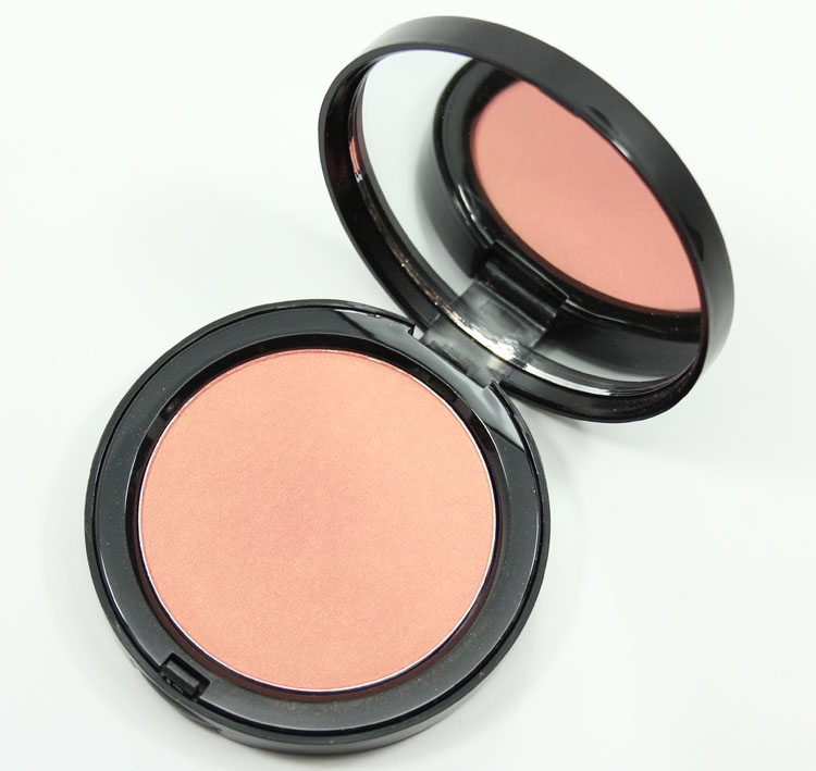 Bobbi Brown Illuminating Bronzing Powder Santa Barbara-2
