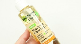 Garnier Nourishing Cleansing Oil
