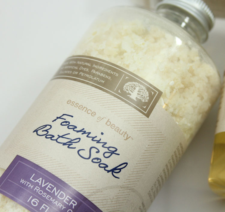 Essence of Beauty Lavender Foaming Bath Soak