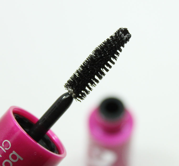 Cover Girl Bombshell by Lashblast Curvaceous Mascara-3