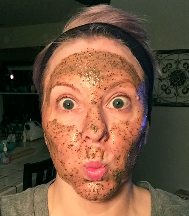 LUSH Cup O' Coffee Face and Body Mask-3
