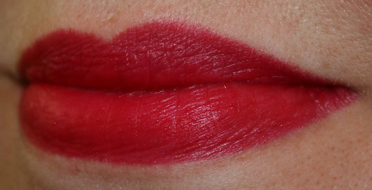 MAC Velvetease Lip Pencil Anything Goes