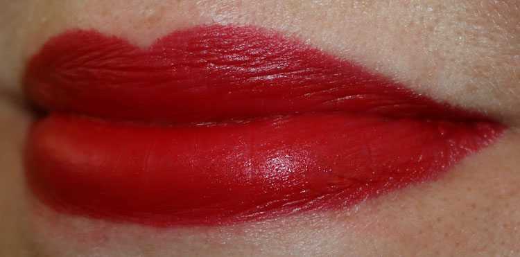 MAC Velvetease Lip Pencil Just Add Romance