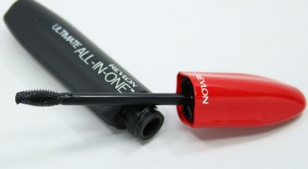 Revlon Ultimate All-In-One Mascara-2