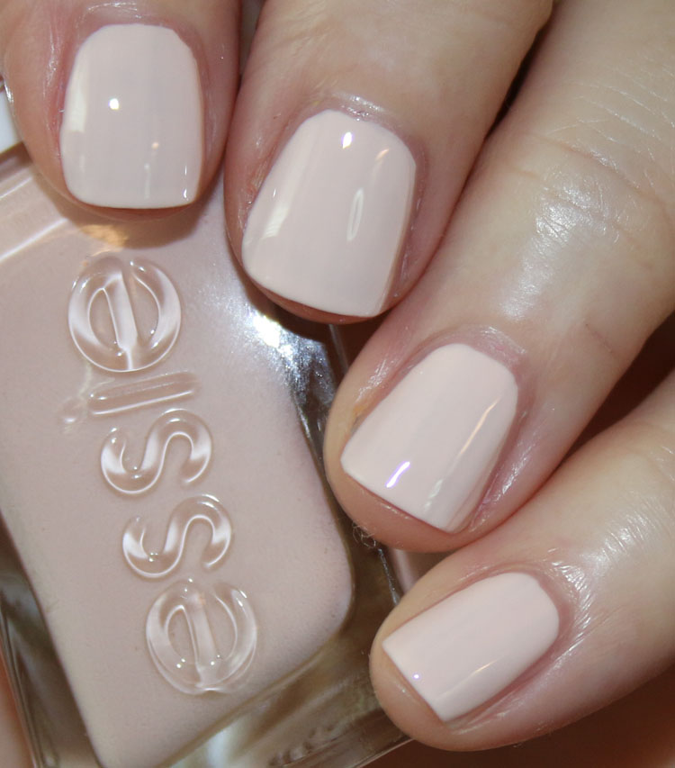 essie Lace Me Up