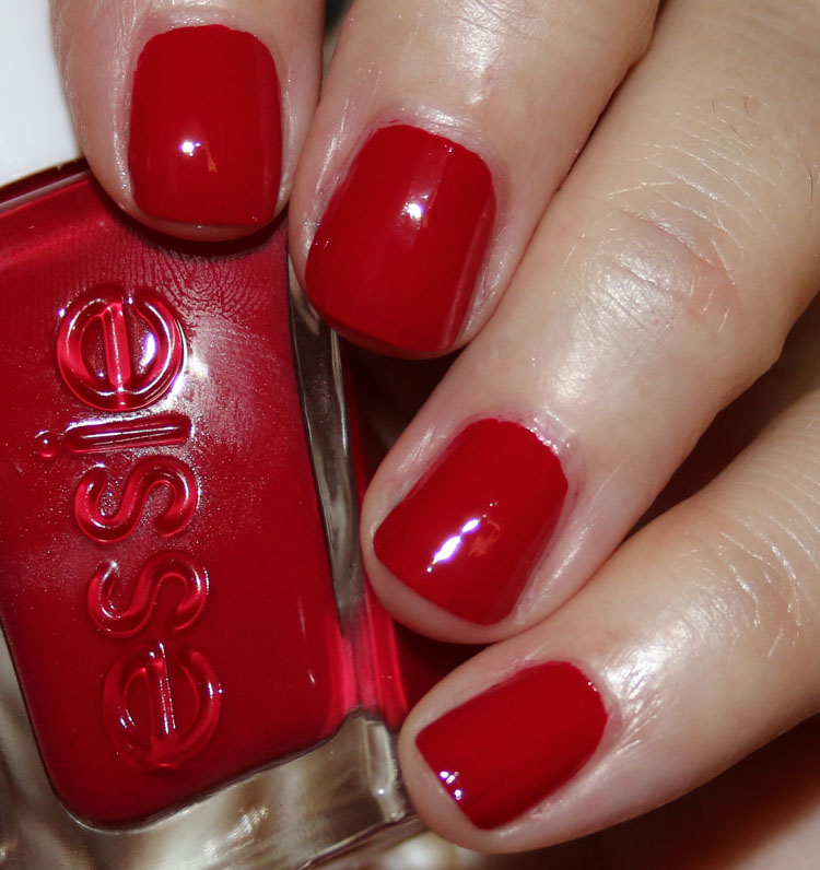 essie Gel Couture Holiday 2017 Collection | Vampy Varnish