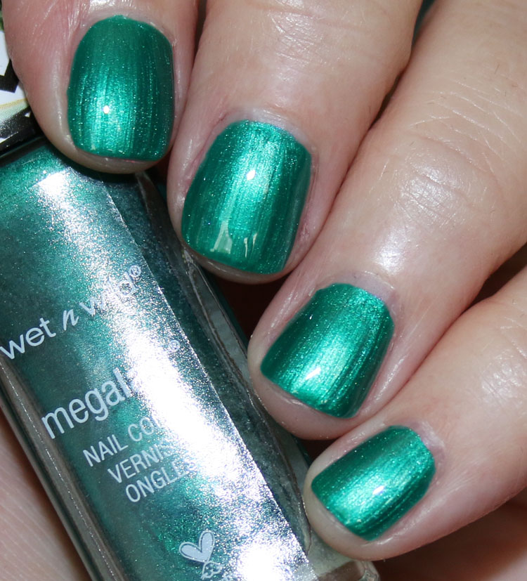 Wet n Wild MegaLast Nail Color Fly With Envy