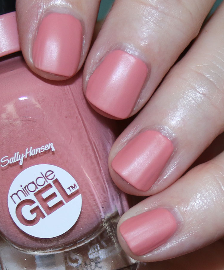 Sally Hansen Miracle Gel Matte Top Coat | Vampy Varnish