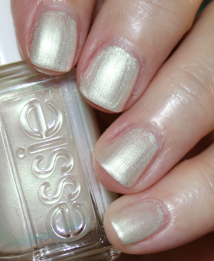 essie all daisy long